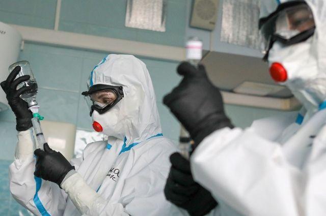 Первые анализы, чтобы подтвердить вирус, отправли в лаборотарию Новосибирска.