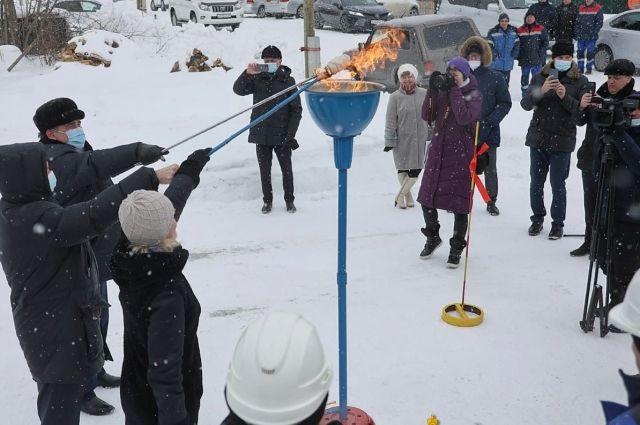 Пуск газопровода был похож на церемонию зажжения Олимпийского огня.