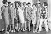 В СССР все были равны, жили и одевались скромно. Манекенщицы Дома моды на Кузнецком мосту (Общесоюзный дом моделей одежды). 1965 год.