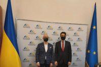 Украина и Турция обсудили проект по строительству жилья для крымских татар.