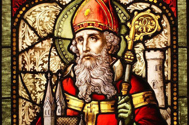 17 марта во всем мире празднуют День святого Патрика. Святой Патрикий, как называют его в России, стал одним из немногих католических святых, «прижившихся» в православии.