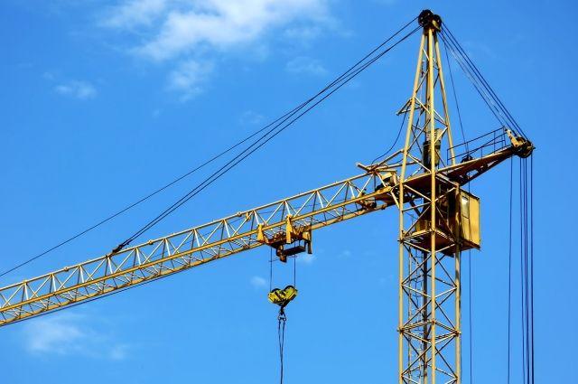 Алексей Романов побывал на нескольких объектах, где ведется строительство многоквартирных домов
