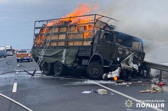 В Хмельницкой области в результате ДТП загорелись автомобили: есть погибшие