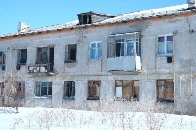 Многодетная семья Капишевых из Ясного пока так и не добилась полученяи нормального жилья.