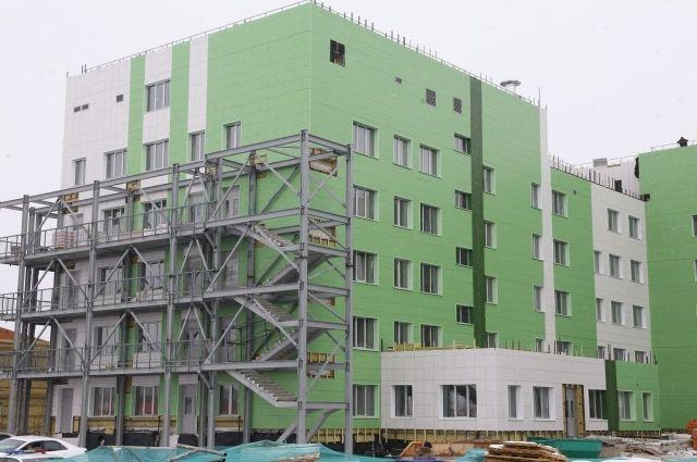 Главный корпус больницы готов более чем на 70%.