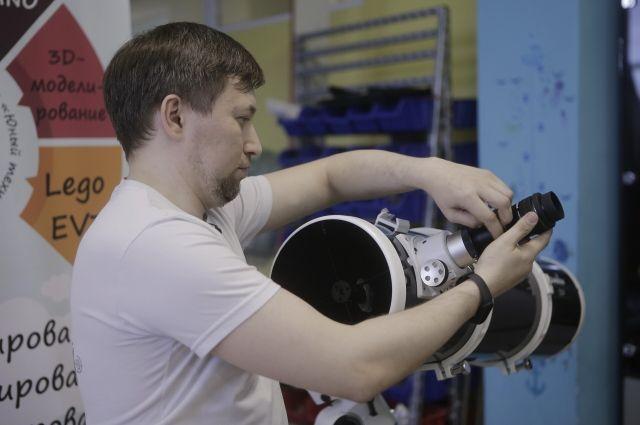 Новый телескоп может автоматически наводиться на небесные объекты и следить за ними в течение любого количества времени.