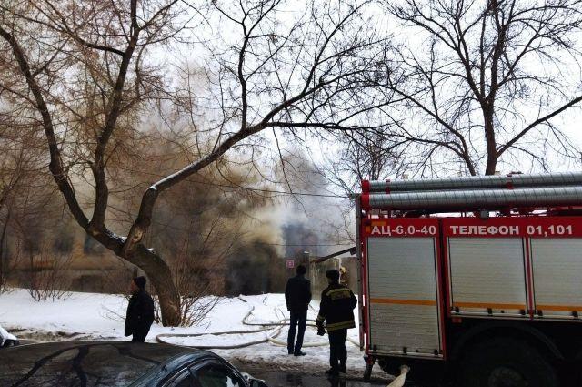 В Оренбурге на переулке Почтовом 20 марта сгорел дом.