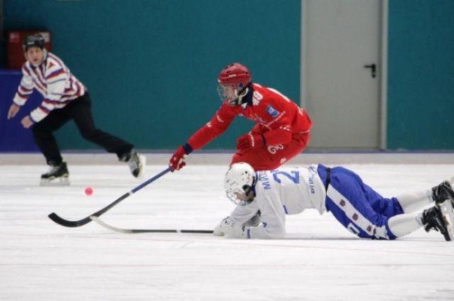 Красноярцы устроили ажиотаж с билетами на финал чемпионата по хоккею с мячом.