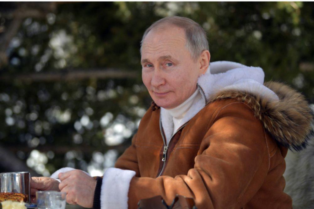 Владимир Путин отдохнул на природе.