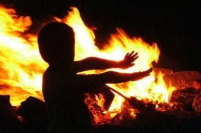 Халатные действия привели к тому, что в результате неисправной электропроводки произошло короткое замыкание и пожар, в котором погибли четверо детей.