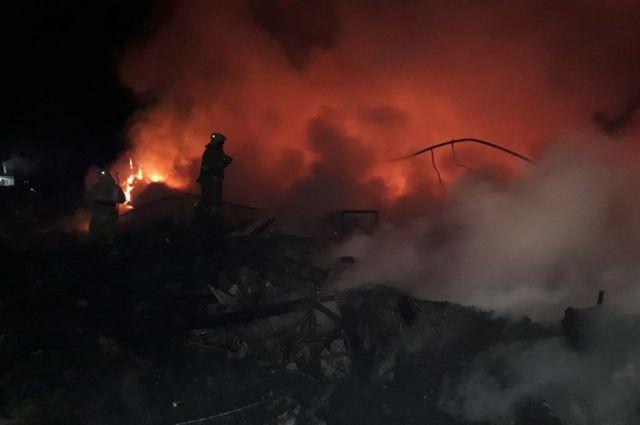 Дом сгорел полность.