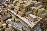В Инспекции по охране объектов культурного наследия заявили, что старинный особняк не входит в реестр ОКН.