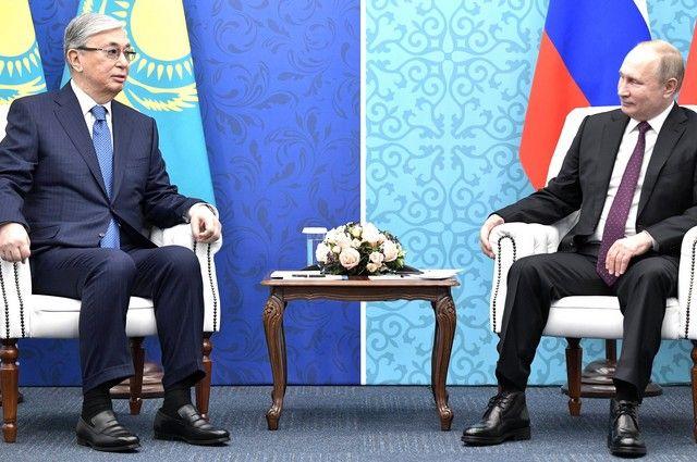 Путин и Токаев обсудили поставки Спутник V