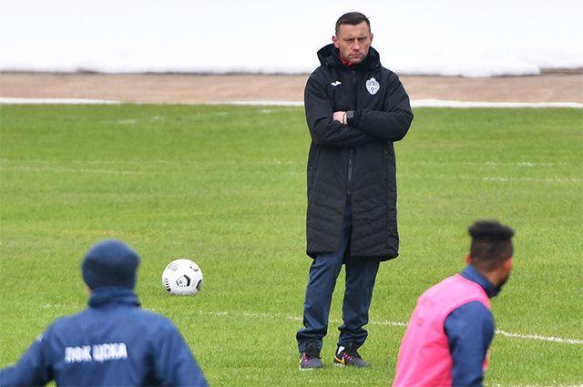Главный тренер ПФК ЦСКА Ивица Олич во время тренировки игроков клуба на стадионе «Октябрь» в Москве. 23 марта 2021 года.
