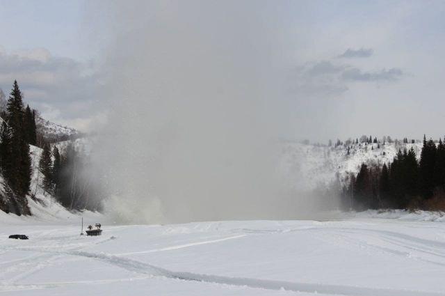 Толщина снега на юге региона превышает норму на 40 см.