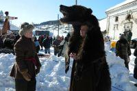 В массовых сценах с удовольствием участвовали не только местные жители. В Кын-Завод приезжали из Лысьвы, Перми и других городов края.