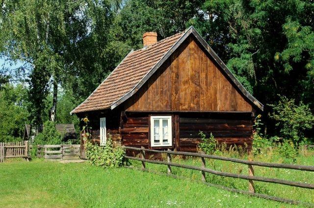 Семье Кузнецовых из Бугуруслана, проживающей в бараке, купят новый дом.