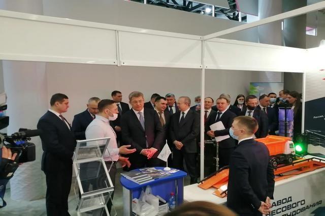 Стенд предприятия привлёк внимание официальной делегации