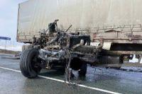 На участке автодороги М-5 «Урал» в Оренбуржье столкнулись три большегруза.
