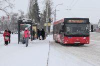В марте вступили в силу новые правила – перевозчикам запретили высаживать безбилетных несовершеннолетних пассажиров.