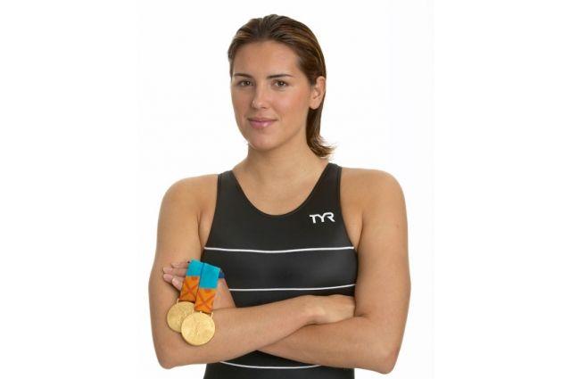 Яна Клочкова выиграла в Сиднее 2 золотых медали. Вообще же она - самая титулованная спортсменка в истории независимой Украины по числу золотых наград Олимпиад.