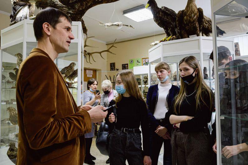Школьники посетили в УДГУ Дом научной коллаборации.