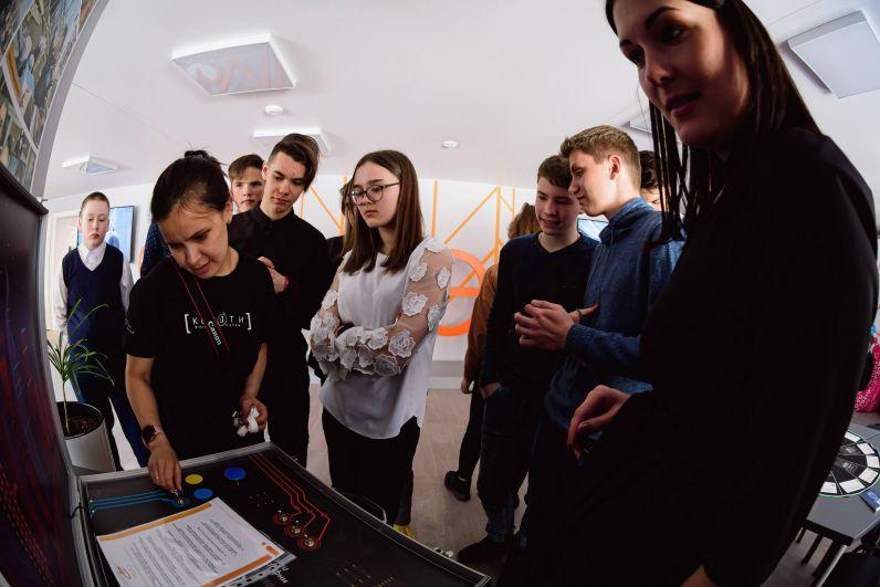 Школьники из Камбарки побывали в Информационном центре по атомной энергии (ИЦАЭ).