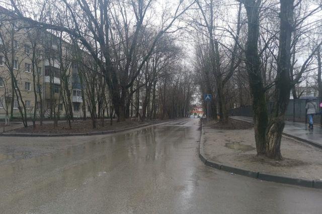 Территория в Александровке, где будет новое благоустройство.