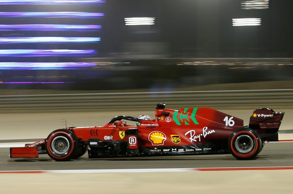 «Феррари» SF21. Пилоты: Шарль Леклер (Польша), Карлос Сайнс (Испания). Сейчас «Феррари» нетак силен, как вовремена Михаэля Шумахера. Главная задача команды— побороться за3место вКубке конструкторов.