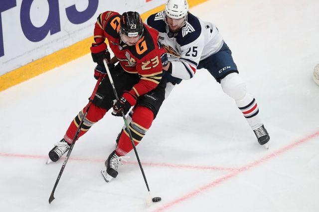 «Авангард» ведёт 3-2 в серии второго раунда плей-офф КХЛ.