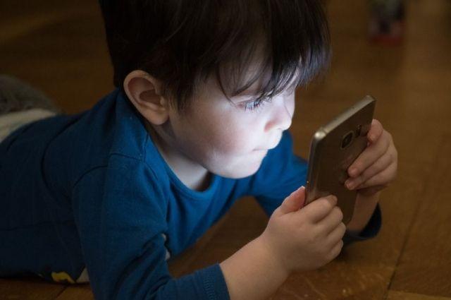 Ученые рассказали о влиянии гаджетов на поведение дошкольников