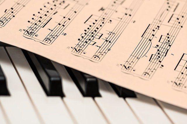 В Голышмановской школе искусств появились новые музыкальные инструменты