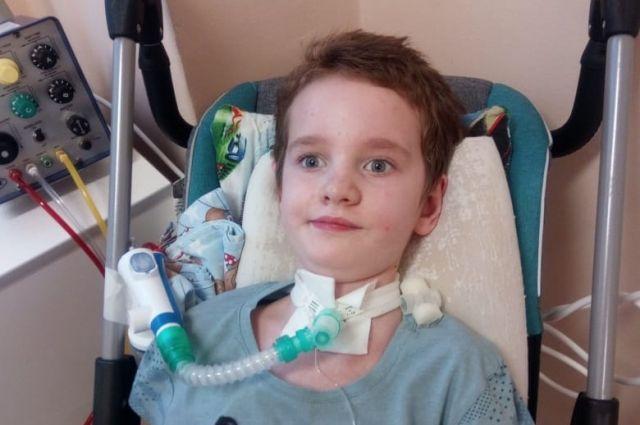 7-летний Алёша стал инвалидом из-за укуса клеща и некачественно оказанной медпомощи.