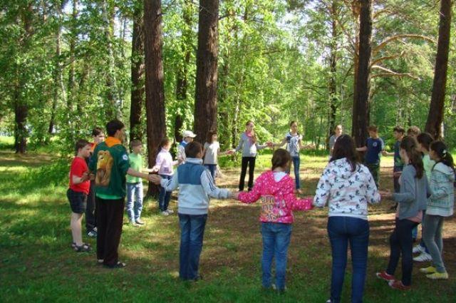 В РФ детям разрешили отдыхать в лагерях за пределами регионов проживания