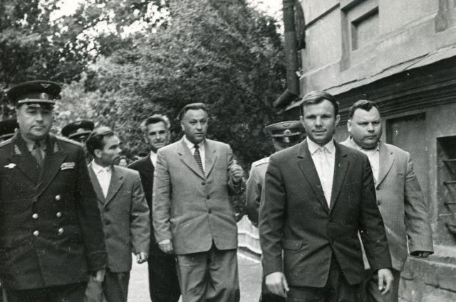 Ю.А. Гагарин в середине 1960-х годов приезжал на Южный Урал - только не в Челябинск, а в Оренбург.
