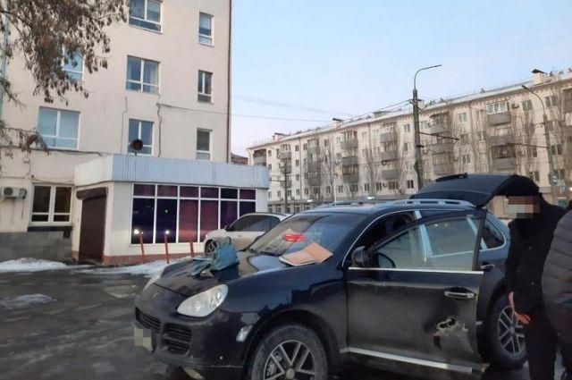 Оренбуржцы обманным путем хотели получить от женщины 3 млн рублей.