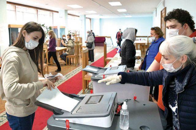По мнению оппозиции, трёхдневное голосование способно повлиять на итоги выборов.