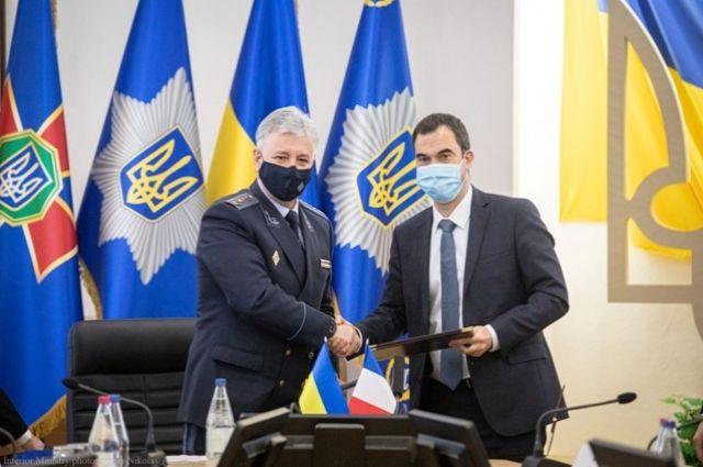 Украина и Франция будут производить спасательную технику.