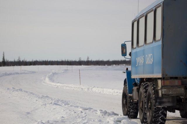 В трех районах Югры была значительно снижена грузоподъемность ледовых переправ