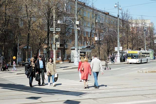 По словам Дмитрия Малютина, надо усилить контроль за реализацией важных проектов, обратить внимание на транспортную тему и на вопросы пожарной безопасности в городе.