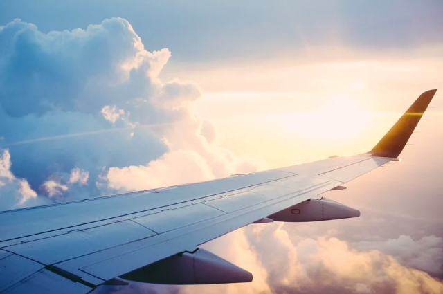 Задержавшийся на 7 часов из-за тумана самолет из Москвы приземлился в Орске.