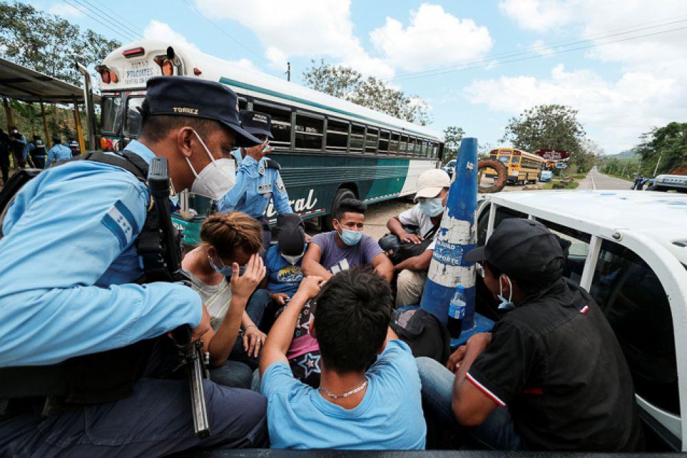 Среди мигрантов есть несовершеннолетние без сопровождения и люди без необходимых документов.