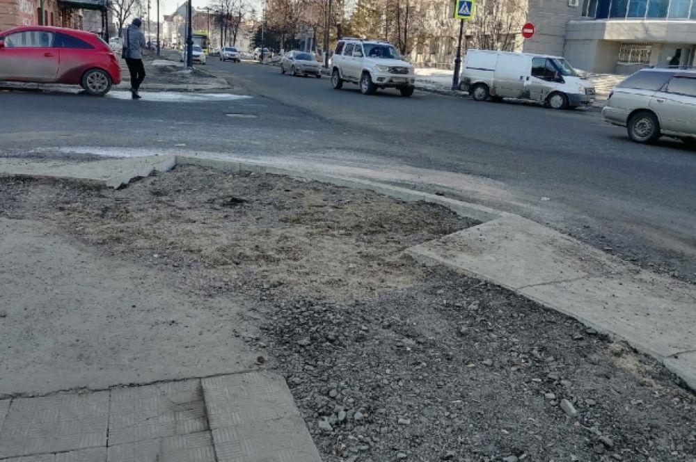 Тротуары на ул. Комсомольская, г. Оренбург.