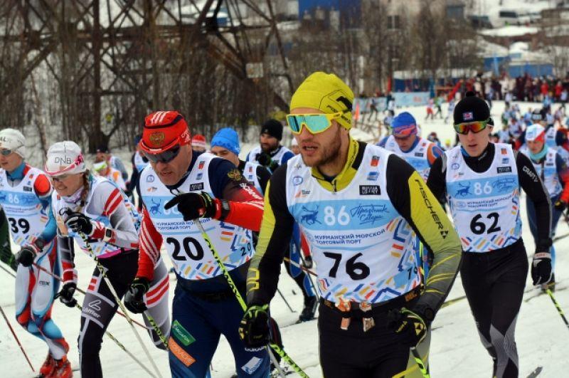 Во второй день прошёл массовый лыжный марафон классическим стилем на дистанциях 50 км и 25 км.