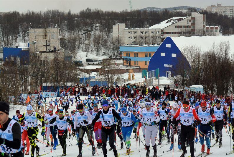 В Мурманске состоялся 47-й лыжный марафон.