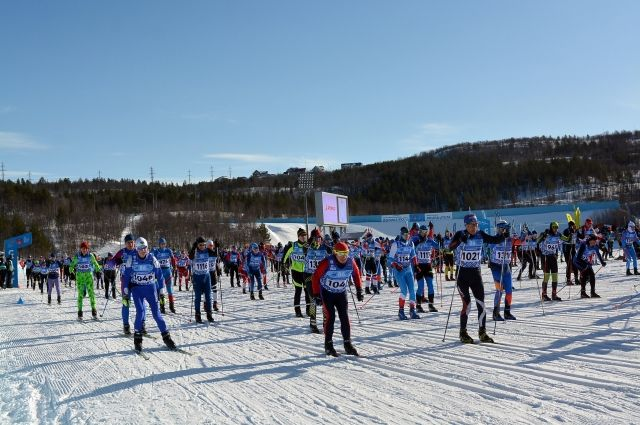 Более тысячи российских и зарубежных спортсменов стартовали в Долине Уюта.