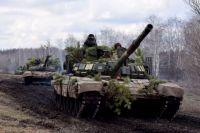 Украинские военные провели танковые учения на Донбассе