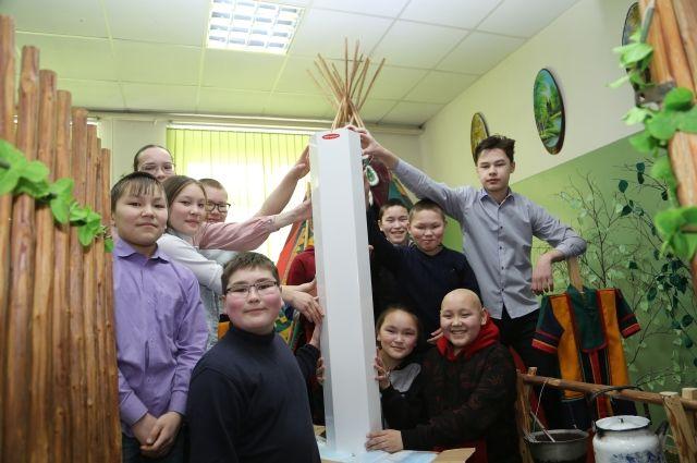 Сотрудники «РН-Пурнефтегаза» поздравили учащихся школы-интерната