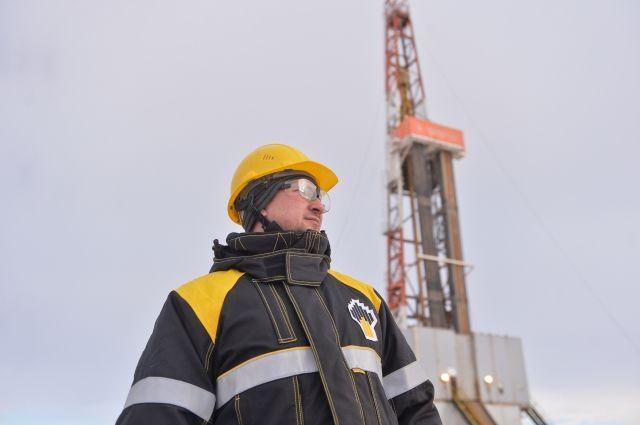 Геологи Оренбургнефти принимают поздравления с профессиональным праздником.