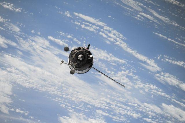 Российский военный спутник «Космос-2525» сошел с орбиты | Наука | Общество | Аргументы и Факты